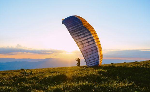 Paragliding. Photo by Juliette G. on Unsplash